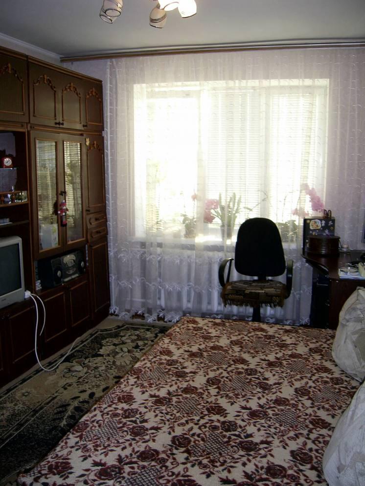 Здам окрему кімнату по вул.Писарева.