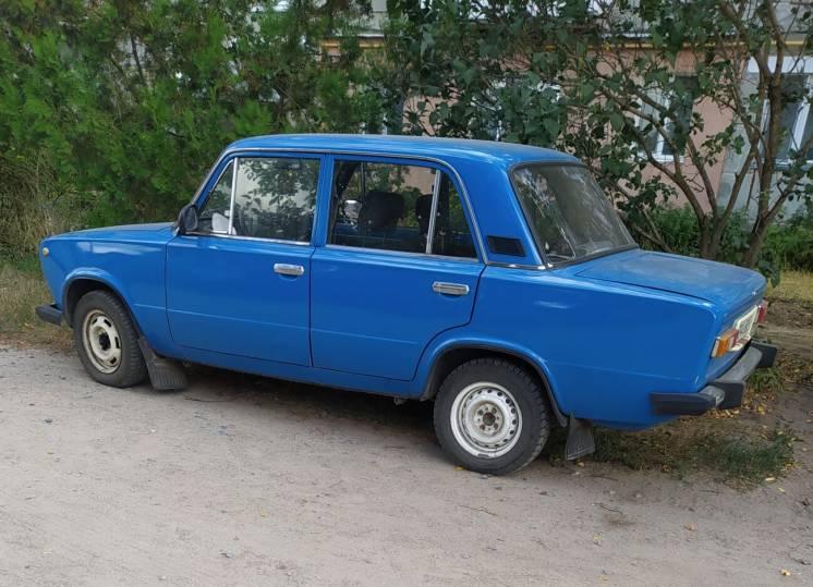 Продам ВАЗ 21013. Состояние хорошее, на ходу. Цвет синий. двиг. новый.