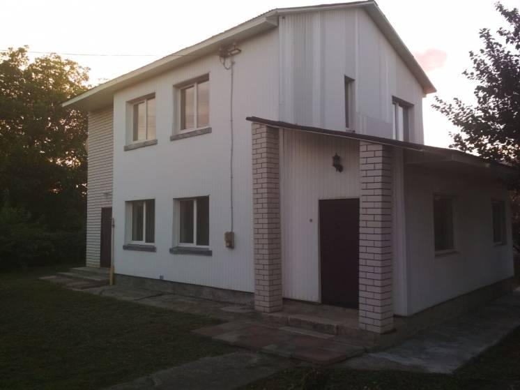 Двухэтажный дом в Кодаках, в пригороде Киева