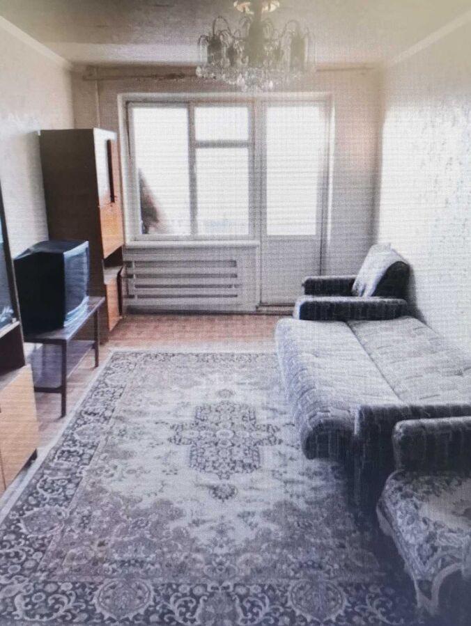 Продам 4х комнатную квартиру на Коммунаре