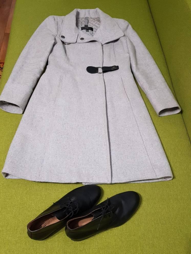 Продается женское демисезонное пальто б/у
