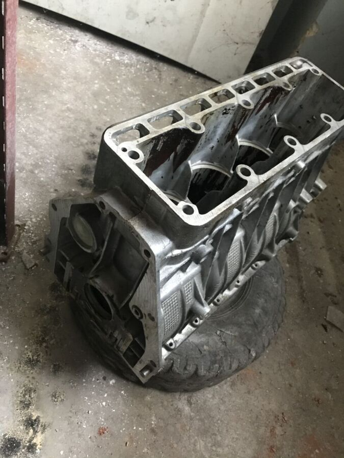 Продам блок двигателя 402 ГАЗель Волга