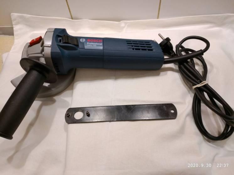 Болгарка Bosch Professional GWS 700 (диск 125 мм)