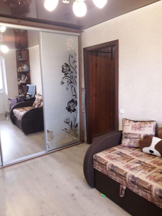 Продам 2-х комнатную квартиру студию в районе Площади