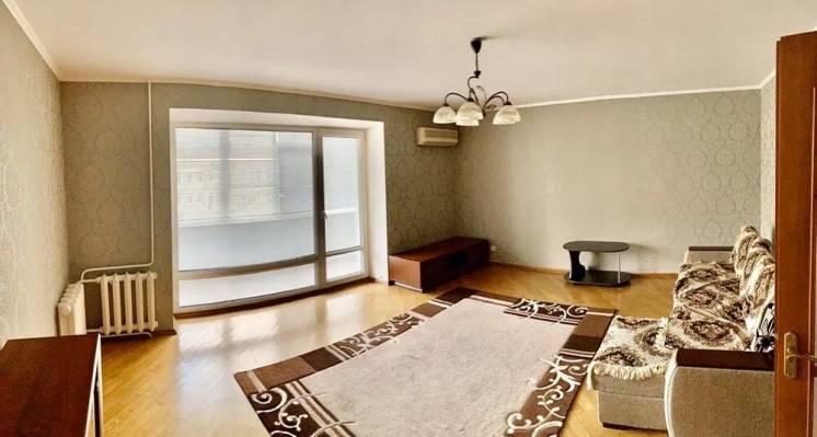 Отличная четырехкомнатная квартира в Центре города