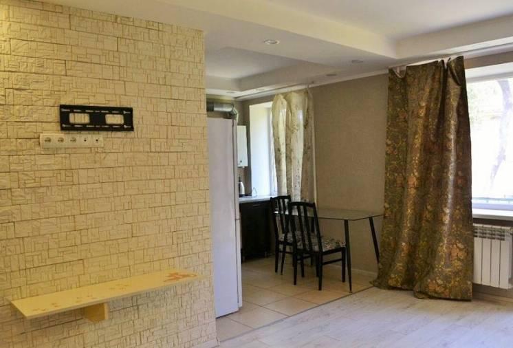 Продам уютную светлую однокомнатную квартиру студию, Украинская