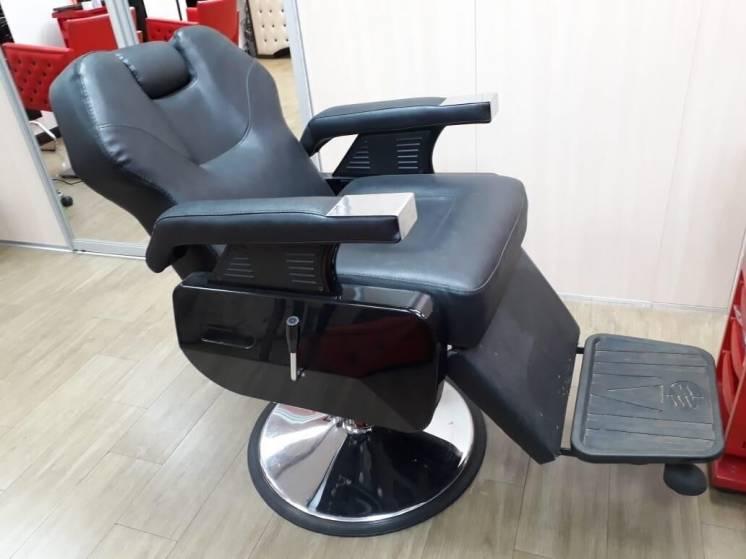 Продам барбер кресло в хорошем состоянии, кресло для барбершопа