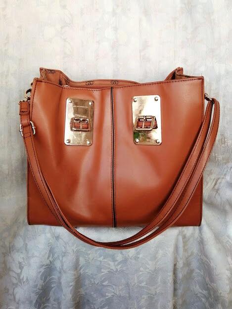 Рыжая сумка Avon
