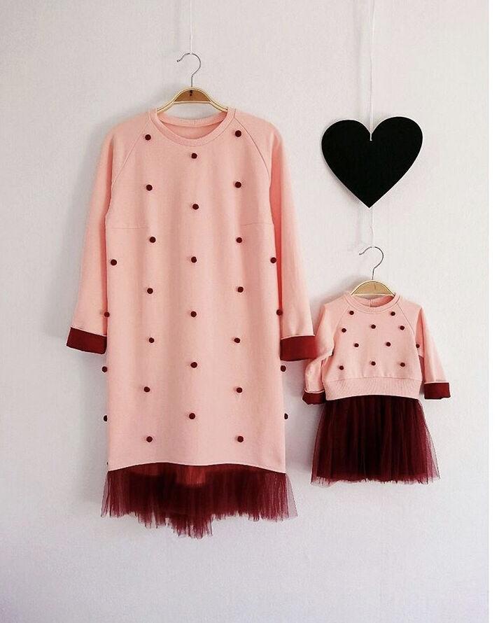 Одинаковые тёплые платья для мамы и дочки