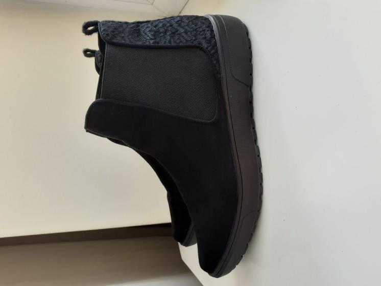 Продаються черевики жіночі