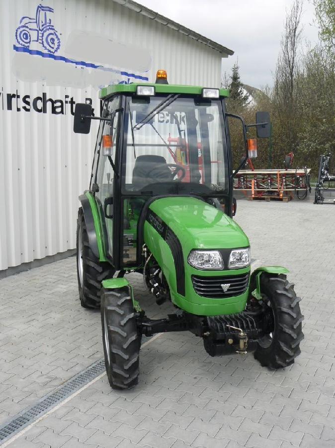 Экспортный б/у трактор 2007 года выпуска Foton 354 35 л/с + плуг