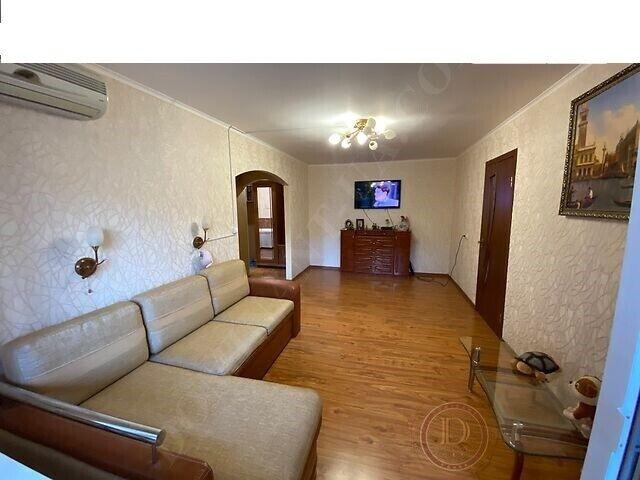 Продается 2-к квартира в Днепровском р-не