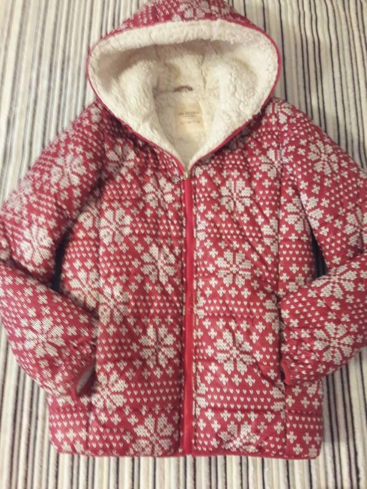 Куртка тёплая с капюшоном р.38