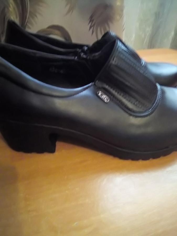 Туфлі замінник шкіри