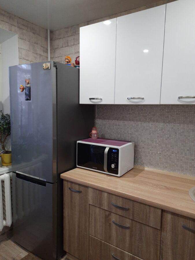 Продам 1 комнатную квартиру ж/м Тополь-3 Запорожское Шоссе.