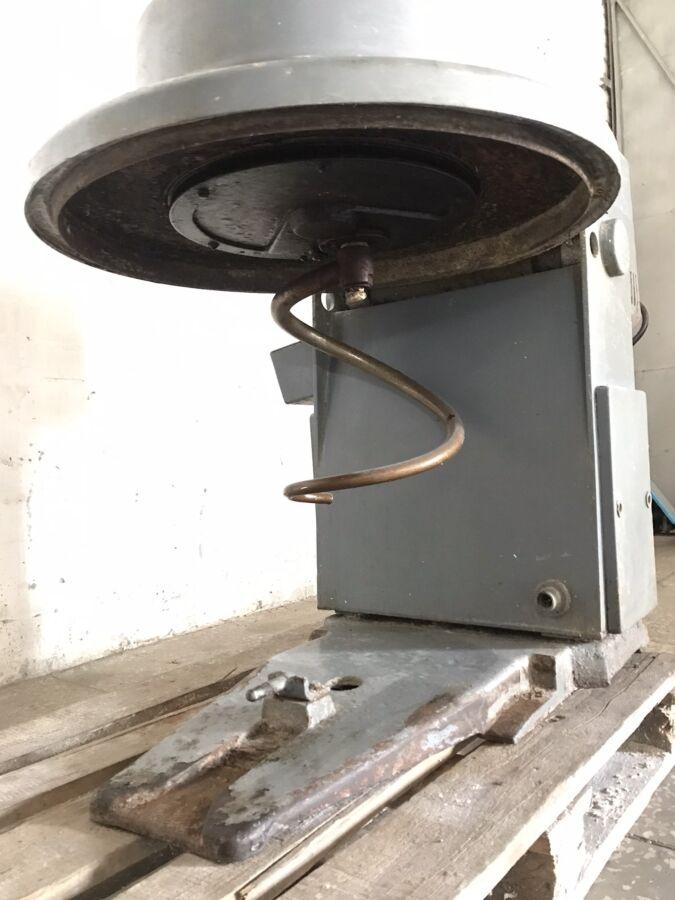 Тестомесильная машина (тестомес) Л4-ХТВ б/у (без дежи)