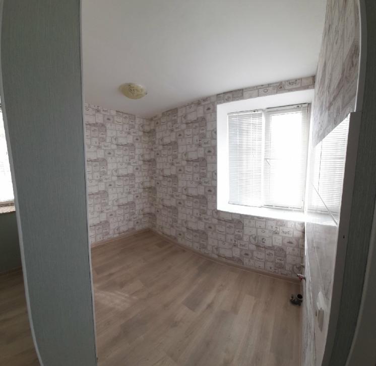 Срочно продам комнату в общежитии в Александровке
