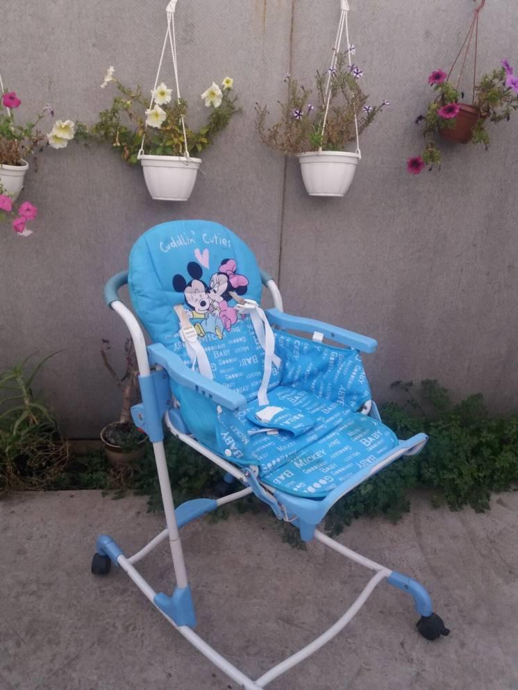 Продам детский стульчик для комления Б/у