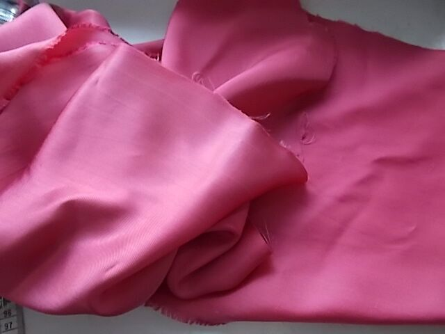 Ткань  атлас малиново-розовый из ссср,  Для рукоделия, поделок
