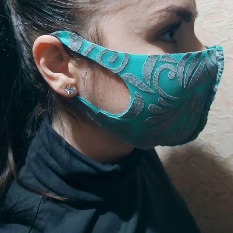 Кольорова неопренова маска pitta