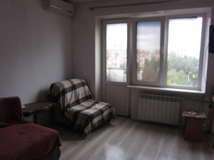 продам 1 - комнатную квартиру на ж-м Солнечный