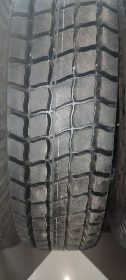 Шины грузовые 280-508 (10.00R20) БШЗ,КАМА