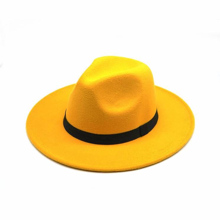 Жёлтая фетровая шляпа с широкими полями