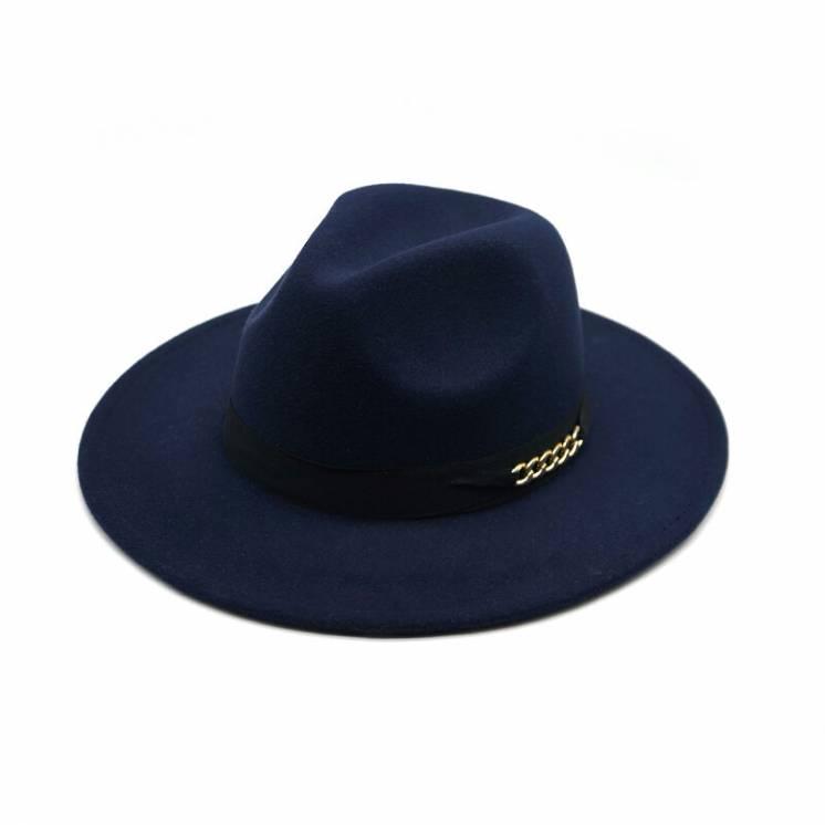 Синяя фетровая шляпа с широкими полями