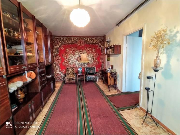 Продается 3 комнатная квартира в районе пл. Победы