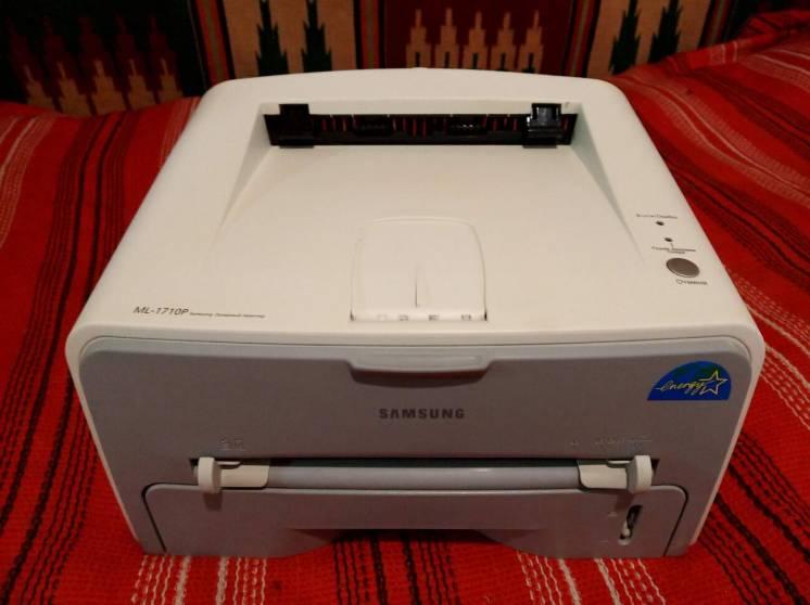 Принтер лазерный Samsung ML-1710P Отличный