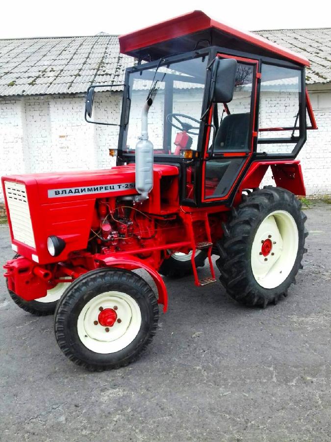 Экспортный б/у трактор 2000 года выпуска Владимирец Т 25 А 25 л/с