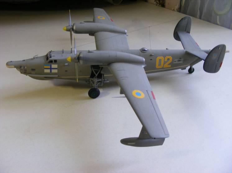 Сборная модель самолета-амфибии