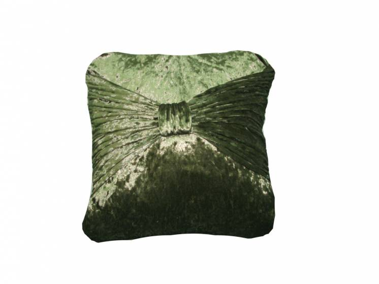 Велюровая декоративная подушка ручной работы.