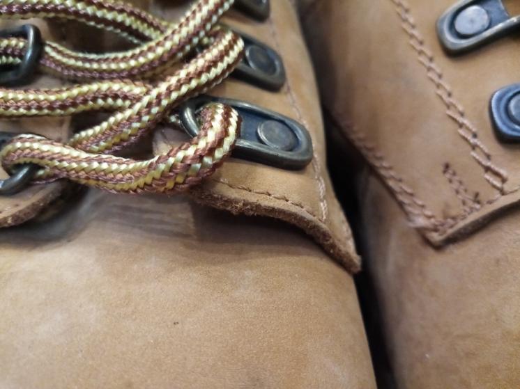 Ботинки желтые. Натуральный нубук. Длина стельки 29.5 см.