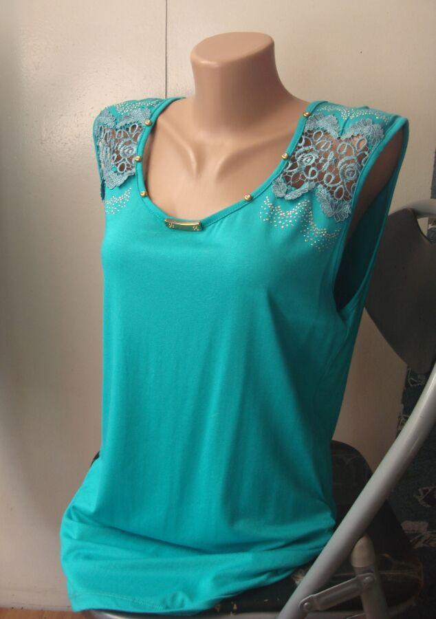 Продам новую блузку, майку с вышивкой 52 размера