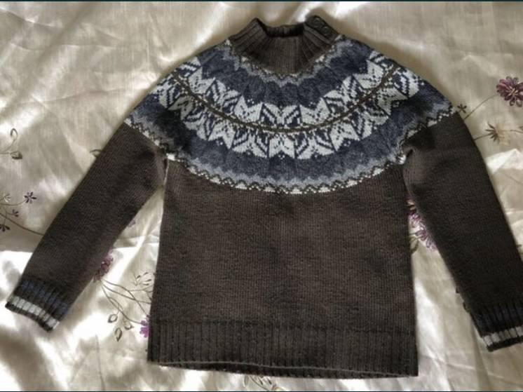 Продам детский тёплый свитер BENETTON