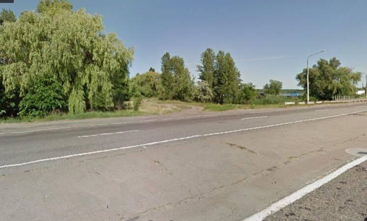 Продається фасадна комерційна ділянка по Одеській трасі