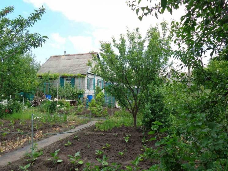 Дачный дом (6 соток) с участками под огород 14,5 соток