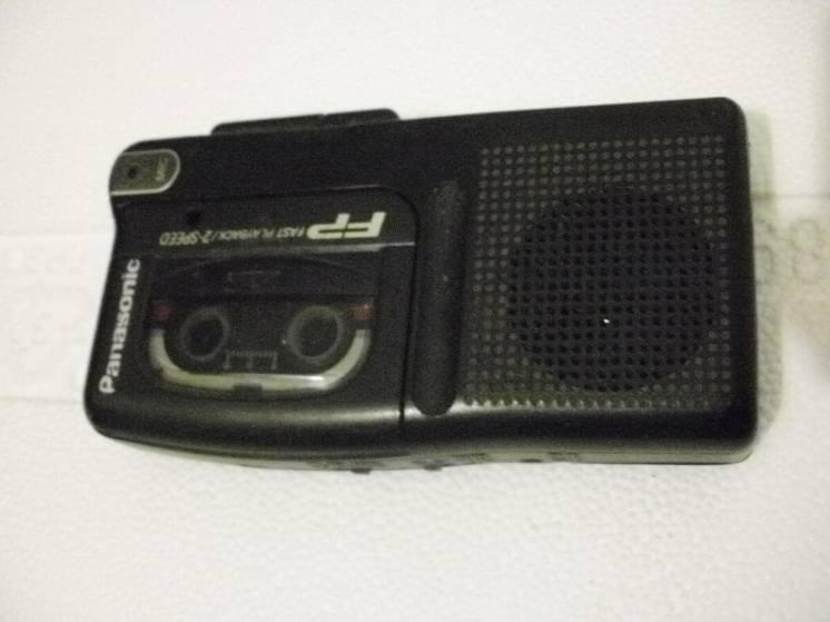 Диктофон PANASONIC на микрокассетку.