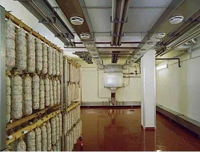 Камера для зберігання ковбаси,сосисок, напівфабрикатів холодильник