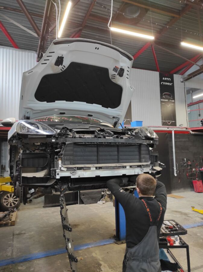 Ремонт двигателя VOLKSWAGEN TOUAREG 4.2 AXQ