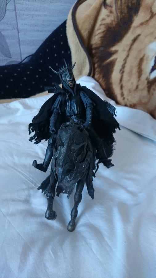 Голос, Глашатый Саурона, Тень из Властелина Колец