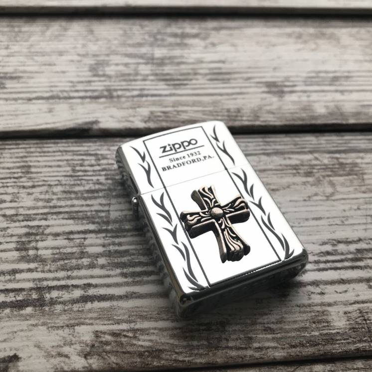 Зажигалка Zippo с изображением Креста