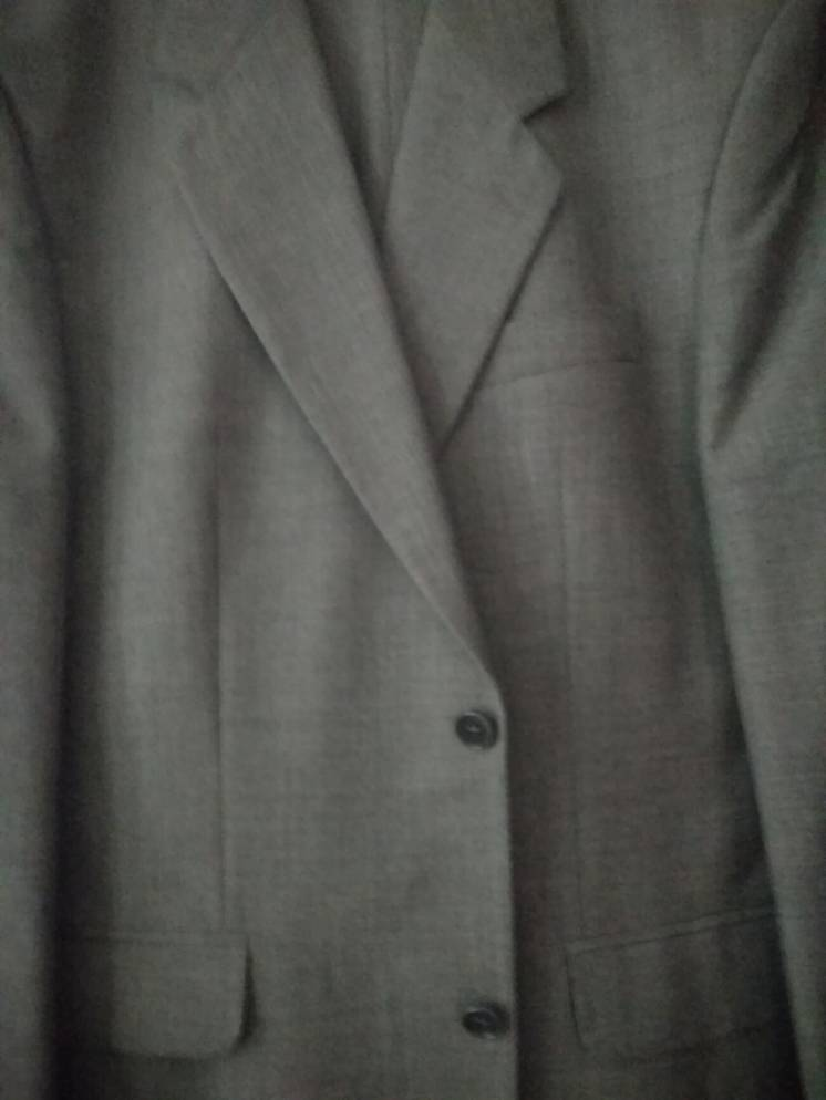 Костюм мужской,серый 54 размер