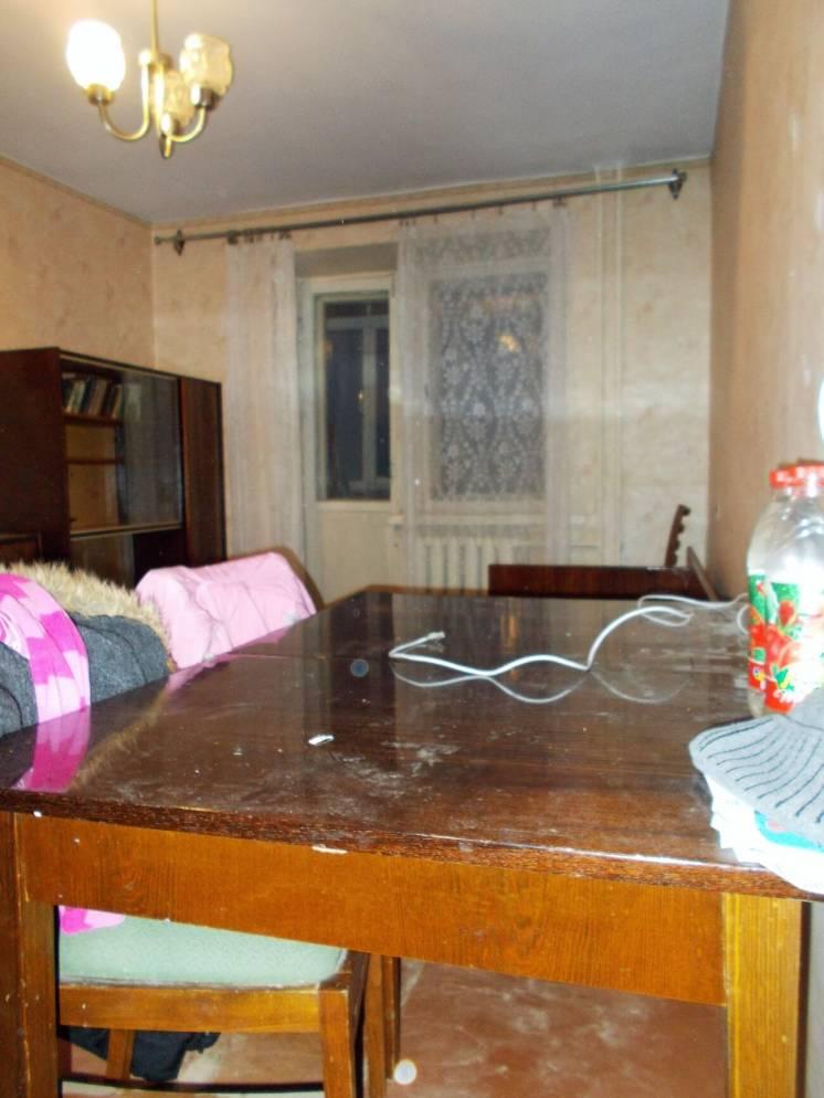 Сдам  двухкомнатную изолированную квартиру, ост. Державинская