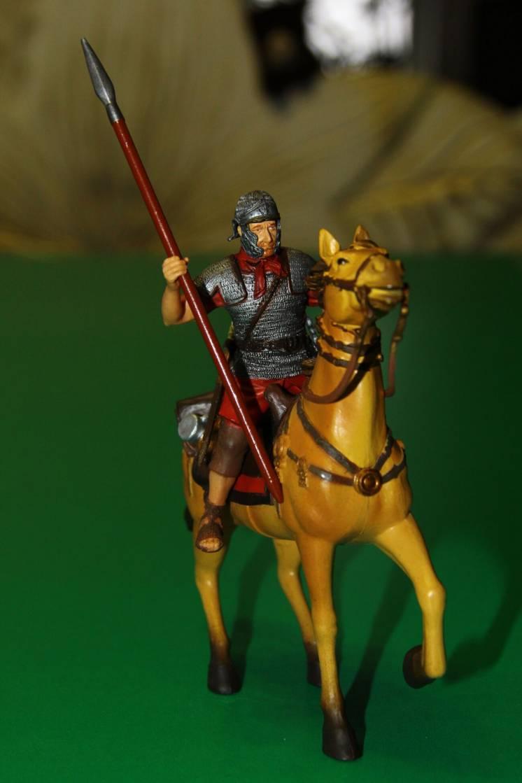 римлянин римский легионер на коне BBI Blue Box 90мм
