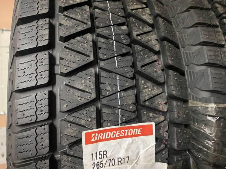 Продам Новую Резину 265/70 r 17 BRIDGESTONE BLIZZAK DM-v3