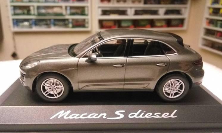 Модель Porsche Macan S diesel, 1:43, Minichamps