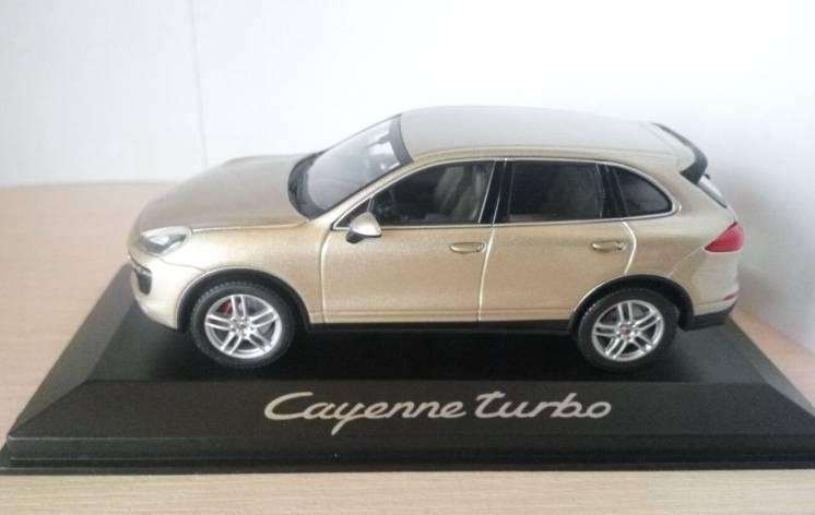 Модель Porsche Cayenne Turbo, масштаб 1:43, Minichamps