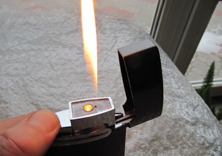 Зажигалка настольная, газовая, новая, перезаправляемая с регулировкой